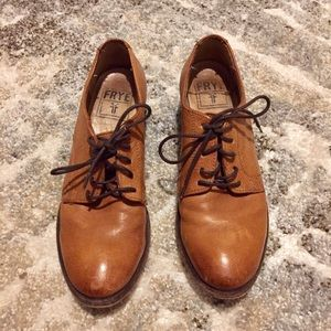 Frye Carson Oxford Size 5.5 Leather Cognac Tie Up